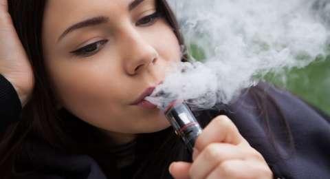 Rokok Elektrik Juga Berbahaya Untuk Tenggorokan